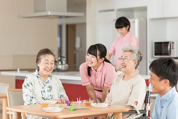 nhan-ai-daycare-trung-tam-cham-soc-nguoi-cao-tuoi-ban-ngay-1